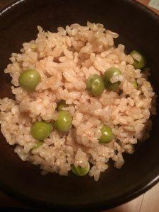 ぷりぷりのグリーンピースご飯